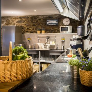 Mountain hostel tarter andorra kitchen-7-2