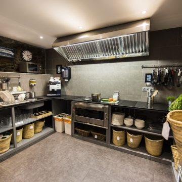 Mountain hostel tarter andorra kitchen-8