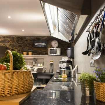 Mountain-hostel-tarter-kitchen-1